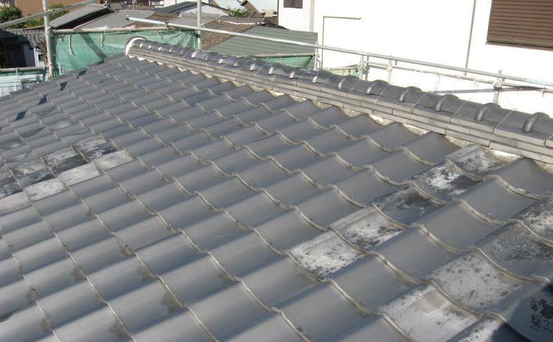 屋根葺き替え工事前の屋根(瓦)の状態