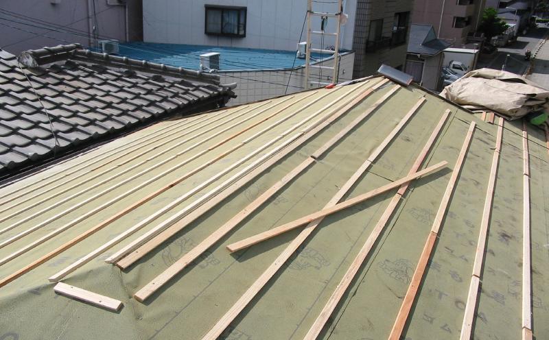 桟木の施工の様子