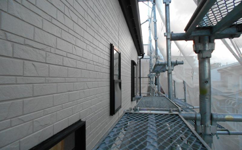 窯業系サイディング工事中の様子サイディング貼りー施工後